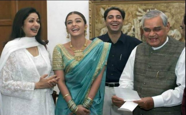 Atal Bihari Vajpayee no more: Former PM's unseen pics with Bollywood celebs
