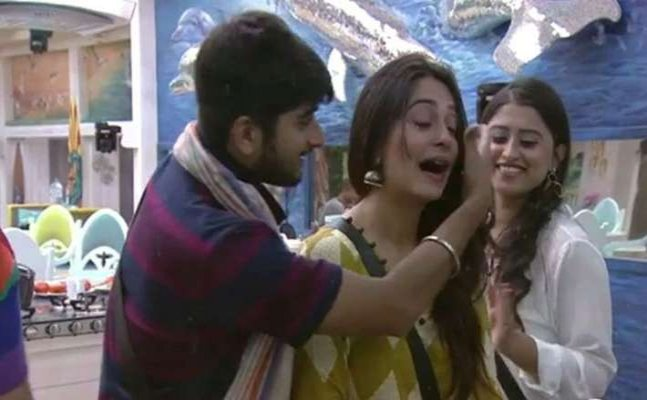 Bigg Boss 12: Deepak Thakur's this song makes Dipika teary-eyed