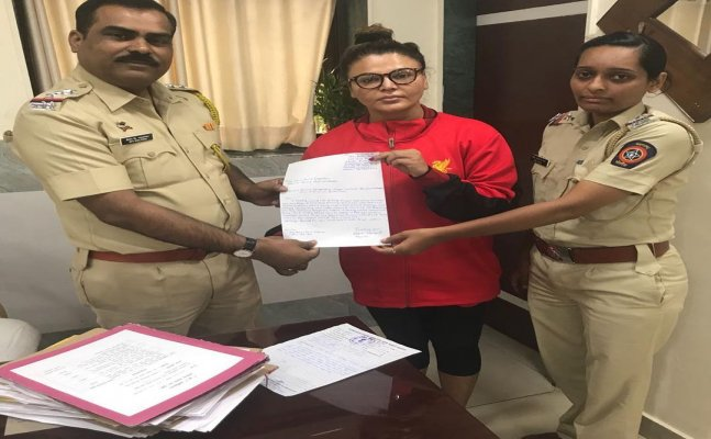 Rakhi Sawant receives death threats for speaking on Tanushree-Nana controversy, files FIR