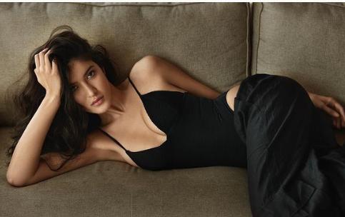 Whoa! Shanaya Kapoor slays in new photoshoot, BFF Suhana and Khushi say INSANE