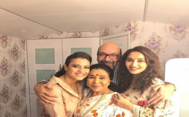 Kajol promotes 'Helicopter Eela' with Madhuri at 'Dance Deewane'