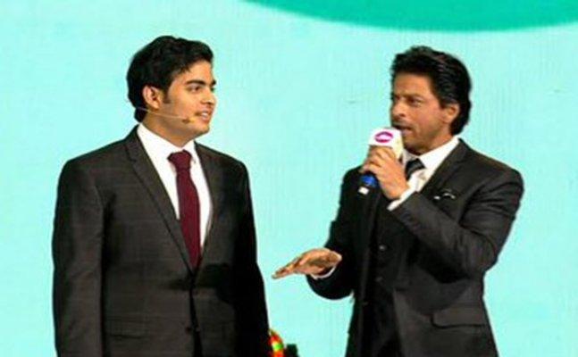 Shah Rukh Khan to perform at Akash Ambani-Shloka Mehta's engagement