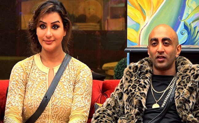 Bigg Boss 11: Shilpa Shinde rebukes Akash Dadlani for touching her inappropriately