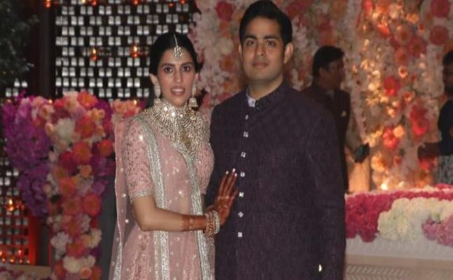Inside pics and videos of Akash Ambani-Shloka Mehta's pre-engagement party
