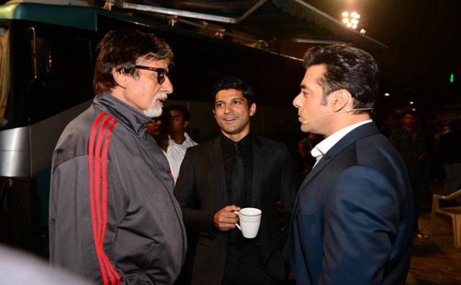 Amitabh Bachchan welcomes Salman Khan to host KBC with him