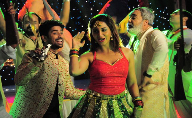 Bigg Boss 11's Arshi Khan to recreate Bipasha Basu's 'Bidi Jalaile'