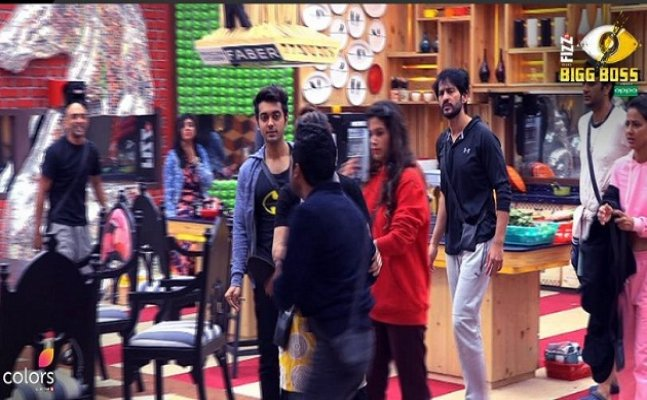 Bigg Boss 11 preview: Hiten Tejwani and Vikas Gupta's coffee gets stolen