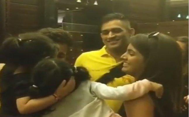 WATCH: Harbhajan's daughter Hinaya kissing goodbye to Ziva Dhoni