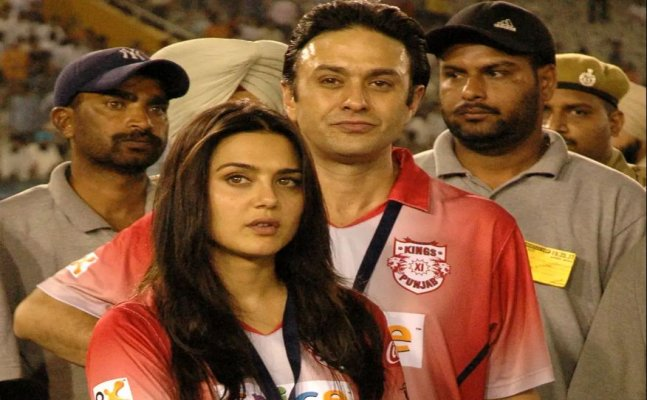 Preity Zinta withdraws 2014 molestation charge against Ness Wadia after he apologized