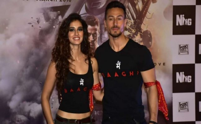 Disha-Tiger's romantic moments that made crowd go aww!
