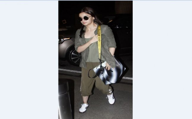 Alia Bhatt's 'comfy' outfit is giving new airport look goals