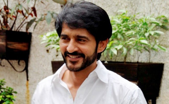 Bigg Boss 11: Hiten Tejwani out of the show?