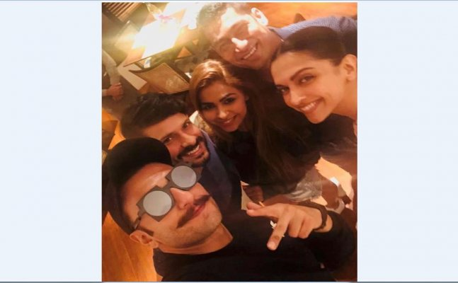 Deepika meets Ranveer in his parents' new home - Taj Lands End