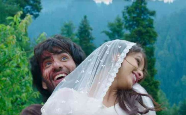 'Laila Majnu' Trailer: Ekta Kapoor gives modern twist to the epic love saga