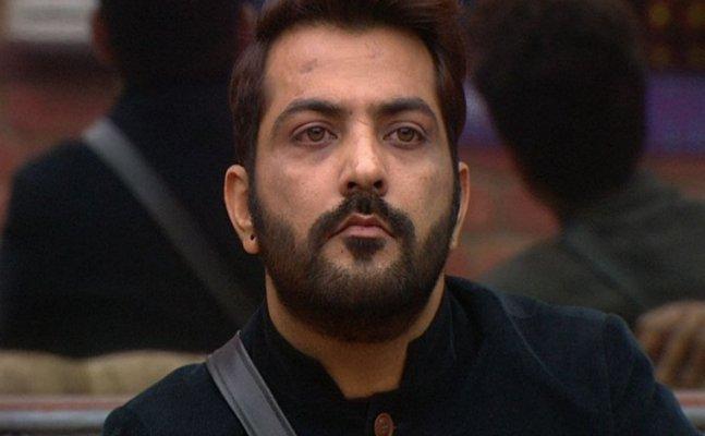 Not 'Kiki', Manu Punjabi shares a video of 'Chichi' challenge