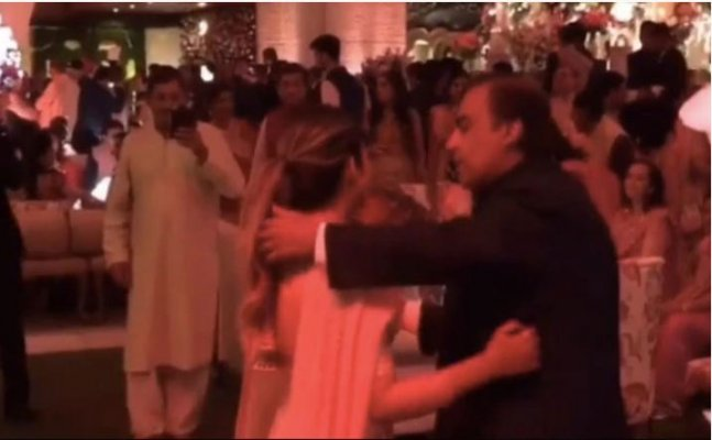 Mukesh and Nita Ambani's dance with daughter Isha Ambani is beyond adorable