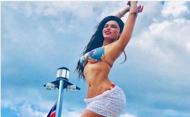 Gizele Thakral & Lauren Gottlieb flaunt their HOT-BODS in BIKINI