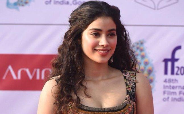 Janhvi Kapoor's video dancing on 'Jhalla Wallah' from 'Ishaqzaade' goes viral