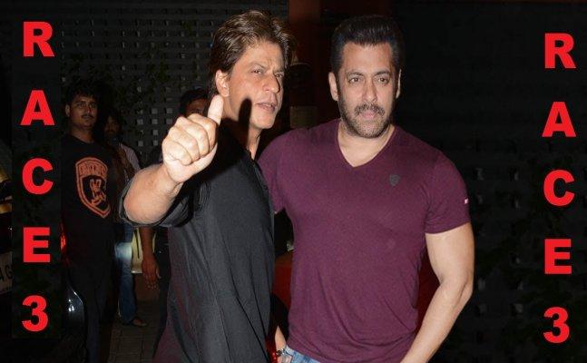 ईद रिलीज़ 'Race 3' देखने पहुंचे Salman Khan और Shah Rukh Khan