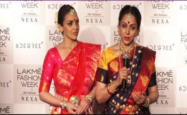 Esha Deol gets Angry and embarrasses Hema Malini at Lakme Fashion Week