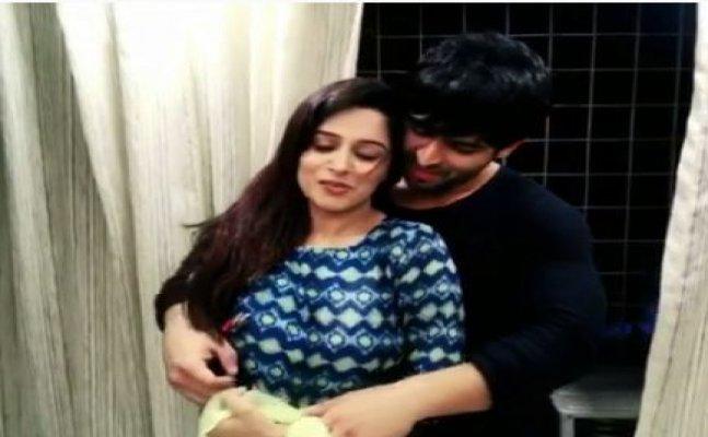 WATCH: TV actors Dipika-Shoaib re-create 'Dhadak' moment