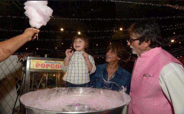 Amitabh Bachchan, Shah Rukh Khan fulfill AbRam's wish