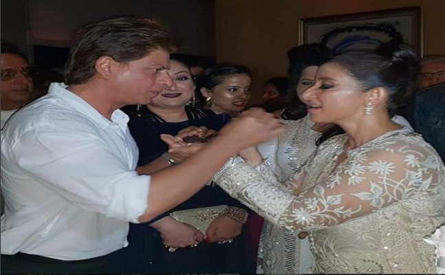 Shah Rukh Khan to Rekha; Celebs attend Manisha Koirala's bday bash