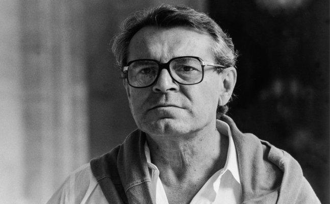 Oscar winning director Milos Forman dies at 86