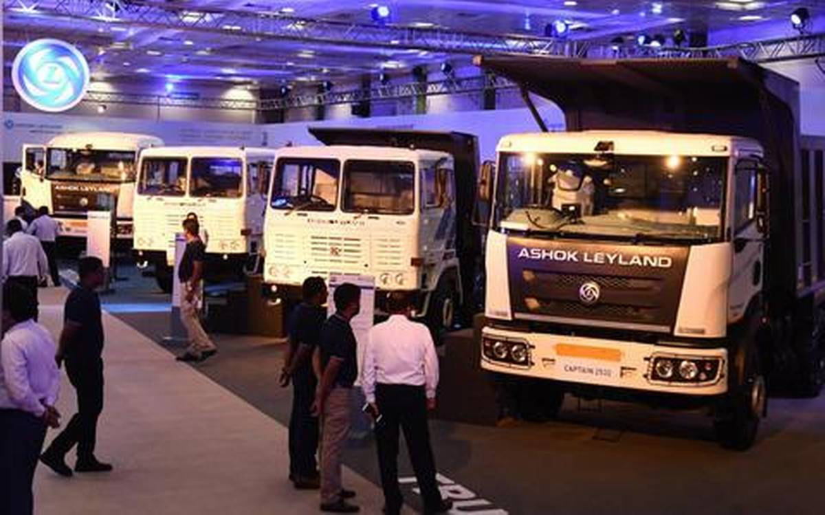 Ashok Leyland Unveils Smart Transport Solutions in Oman – Launches Falcon Super & Gazl