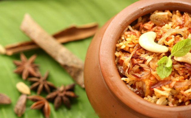Hop on to explore varieties of Biryani in India