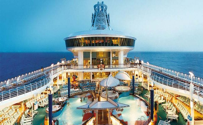 Luxurious Cruise holidays that you can plan in India ditching the mountains