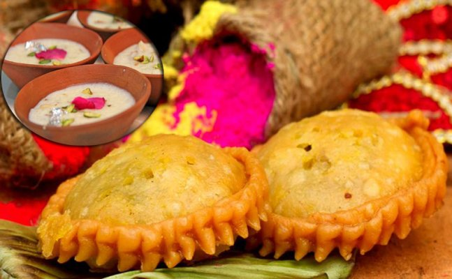 Holi 2018: Innovative fillings for our Gujiya to give the regular khoya a miss