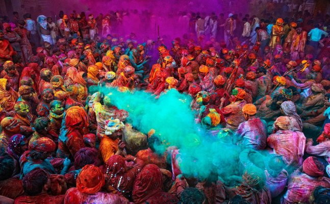 Holi 2018: Here's how to deal with health emergency during Holi