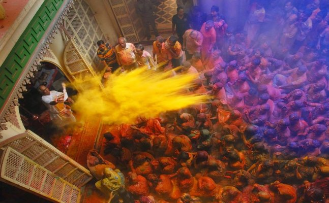 Your go-to-places for an amazing Holi this year