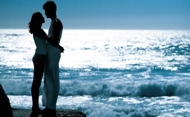 Hug Day: Here is how to hug your partner to convey the right feelings