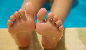 Want to get rid of foot, fungal infections during monsoon, here's know how?