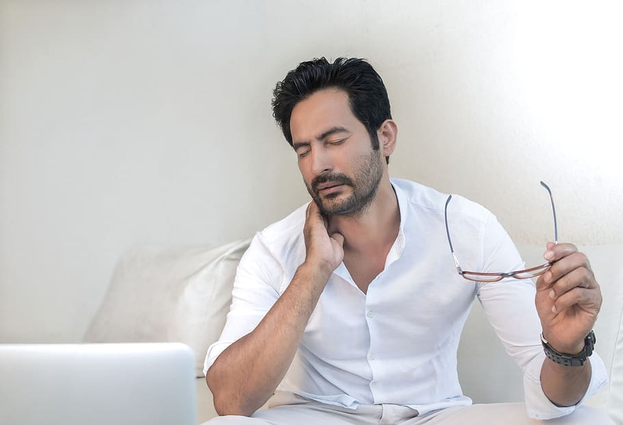 Work from home: Reason behind severe neck pain problem!