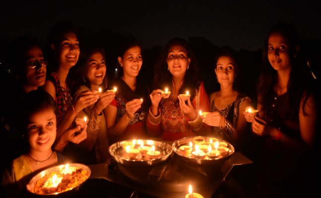 5 things a student must do to celebrate Diwali differently