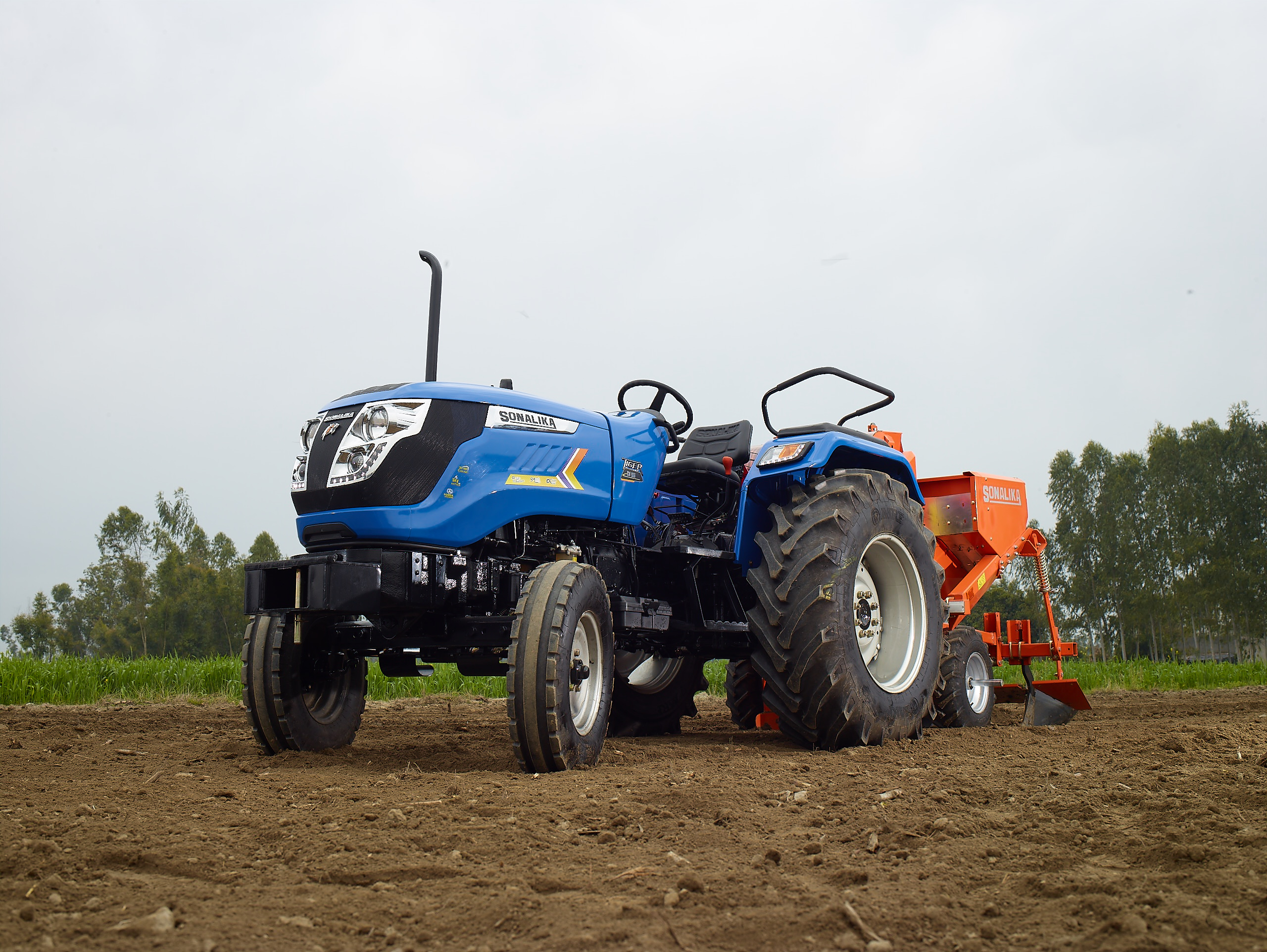 Sonalika Surpasses 1 lakh Domestic Tractor Sales and Crosses Highest Ever Sales in Just 11 months