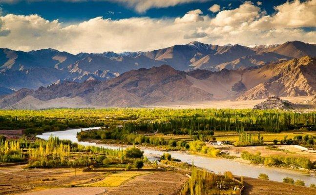 ये हैं देश की 5 खूबसूरत जगह, कभी भी घूमने का बना सकते हैं प्लान