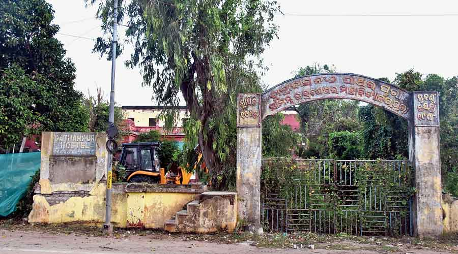 Destruction of Rabindranath Tagore's Puri house wall sparks row