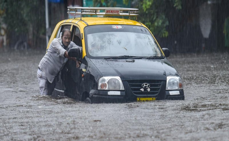 Red alert in Raigad, over 1,000 people shifted to safer places: Maharashtra