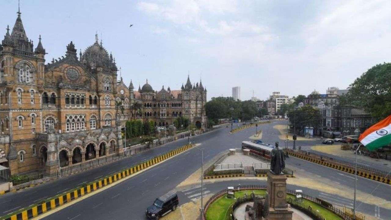 BREAKING: Maharashtra locked from 8PM tomorrow: Uddhav Thackeray addresses State