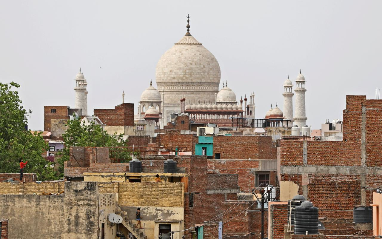 Mega land allotment could turn Agra into a garment hub