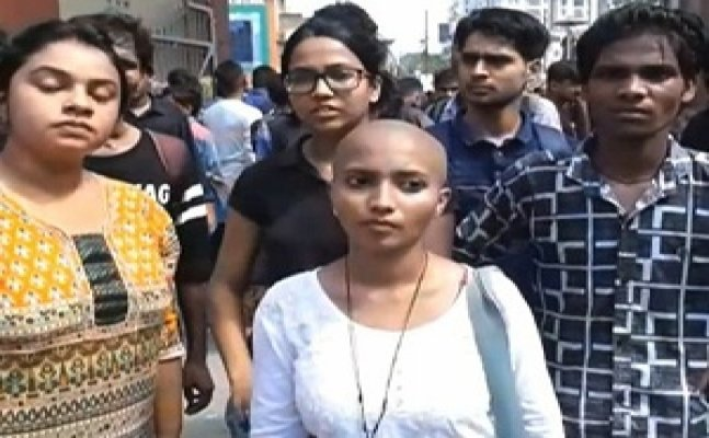 BHU student shaves her head to attract Modi's attention on eve-teasing
