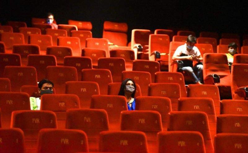 Vizag cinema halls see violation of covid norms