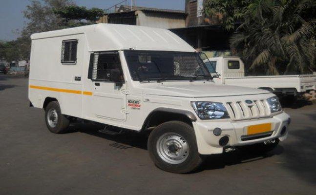 Cash van guard working with SBI shot dead in Allahabad