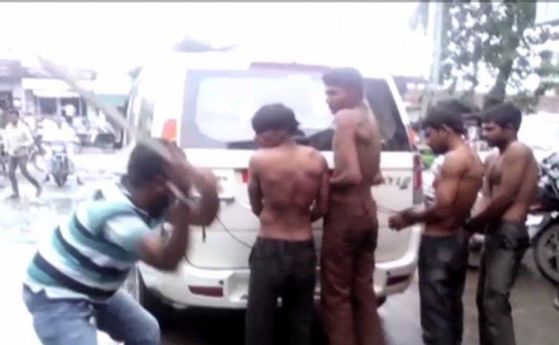 SC warns govt over mob lynching & cow vigilantism
