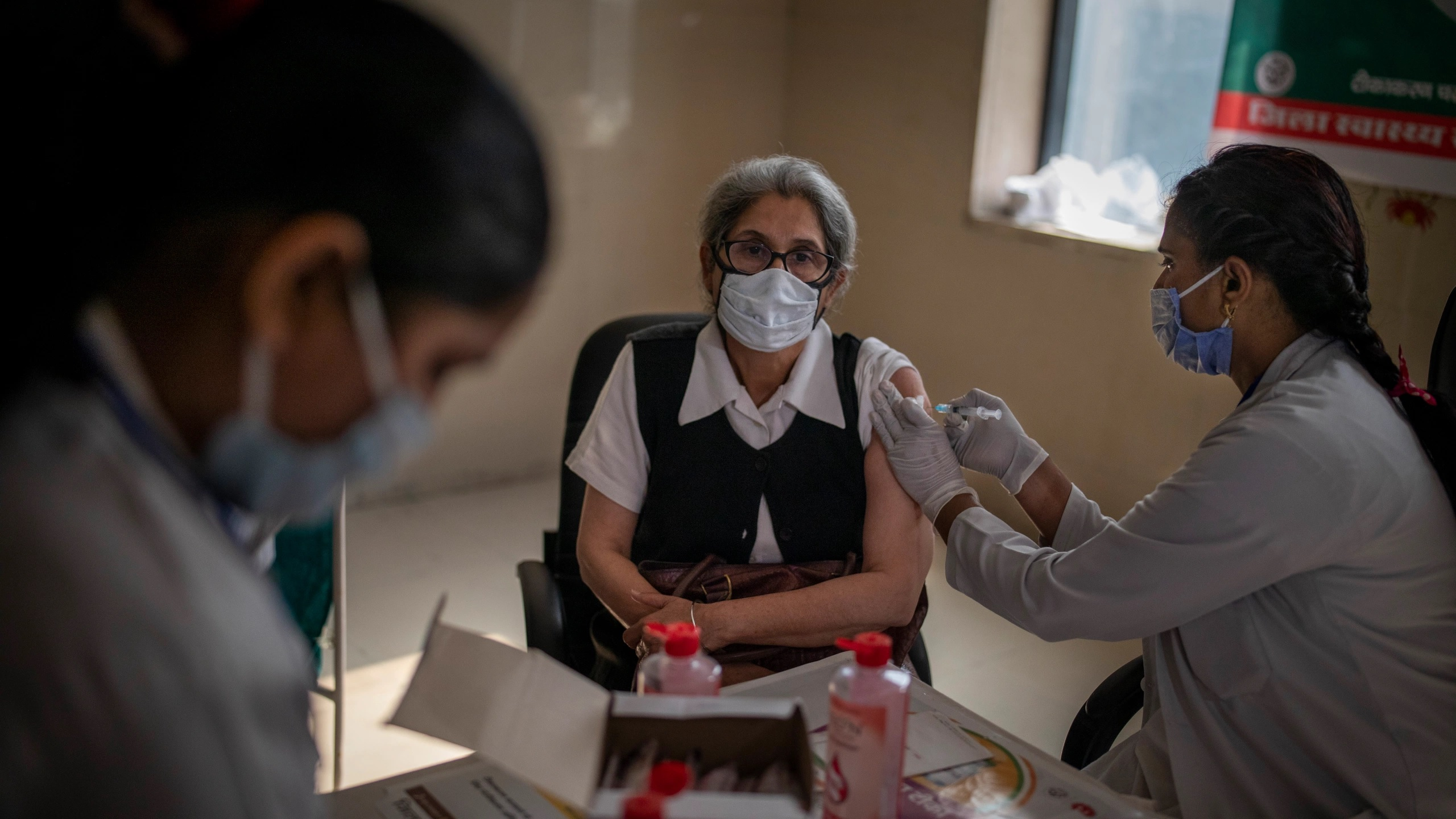 Private centres in Ghaziabad say out of Covid-19 vaccine; Admin claims otherwise