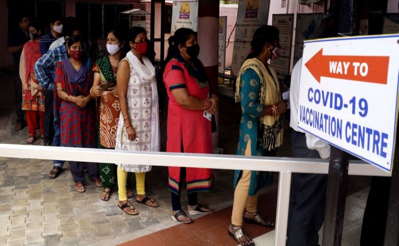 'Guardian Vaccination': Long lines In Ghaziabad, most not eligible